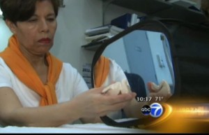abc 7 news shows how mirror box therapy works